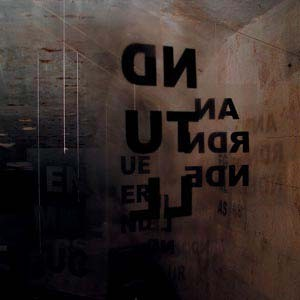 """Objektlyrik-Mobilé-Installyrik: """"PARA-DIES-UND-DAS"""", seit 10/2003"""