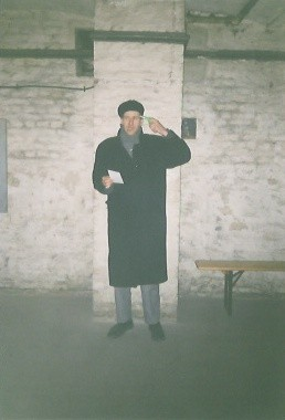 "De Toys LIVE c/o GALERIE ""UNWAHR"" 1998 (jetzt saniert: u.a. Goethe-Institut) @ Berlin-Mitte (Rosenthaler Str.)"