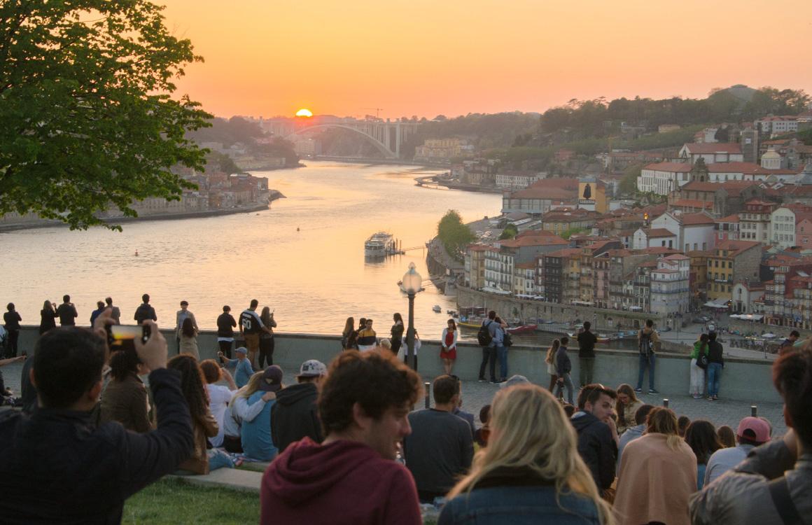 Jardim-do-Morro-viewpoint-sunset-porto
