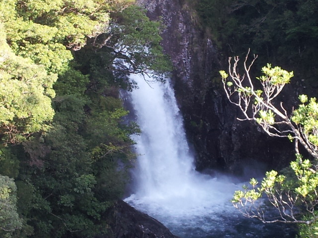 竜神の滝(徒歩20分)Waterfall in Ryujin, 20 minutes on foot