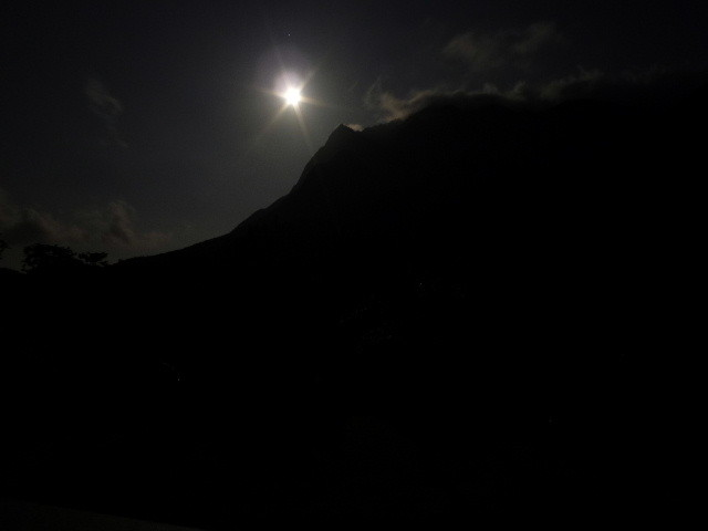 モッチョム岳と月夜 Mt mocyomu and moonlit nighjt