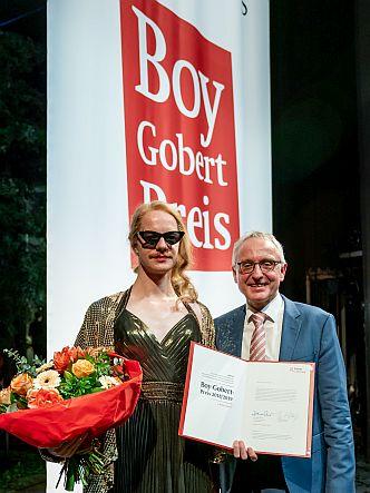 Preisträger Merlin Sandmeyer (li.) und Lothar Dittmer, Vorstandsvorsitzender der Körber-Stiftung (Foto: Krafft Angerer)