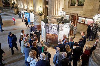 Die Ausstellung »Flucht ins Ungewisse« zeichnet die Lebenswege Exilierter nach, die zwischen 1933 und 1939 aus der Hansestadt fliehen mussten