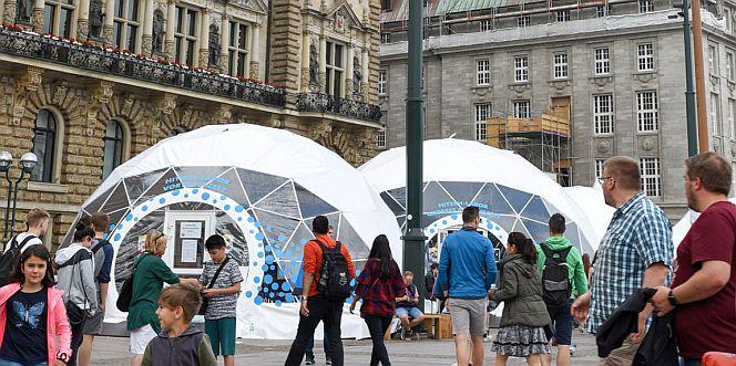 Sommer des Wissens auf dem Hamburger Rathausmarkt (Foto: Alena Zielinski)