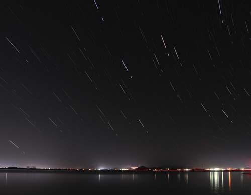 糸島富士に沈みゆく夏の星座