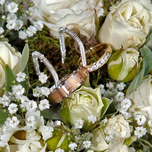Ringkissen aus Blumen für Hochzeitsringe