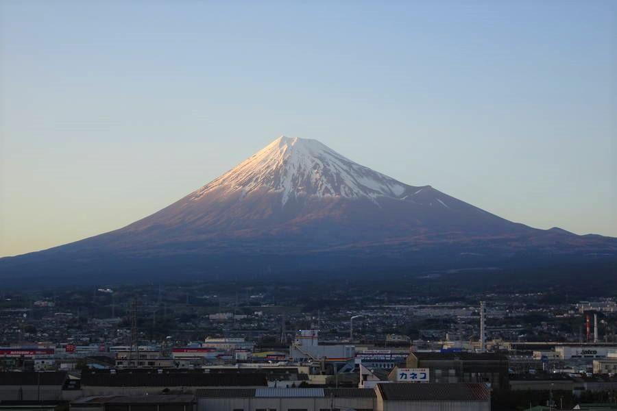 鈴川港公園|富士山が近くで綺麗に見える隠れスポットはここ!【静岡観光スポット】
