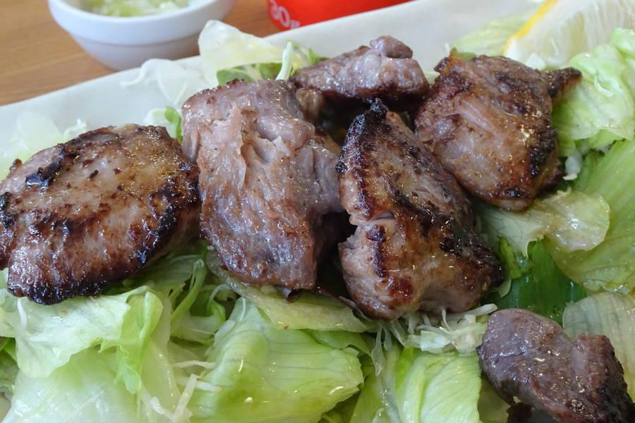 寿司吉|仙台卸売市場の食堂で絶品マグロほほ肉ステーキ【宮城グルメ】
