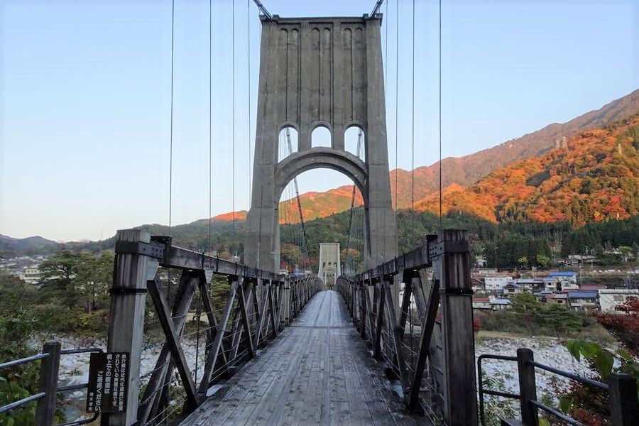 桃介橋|美しい…!木橋でコンクリート橋で石橋でもある近代化遺産の吊り橋【長野観光スポット】