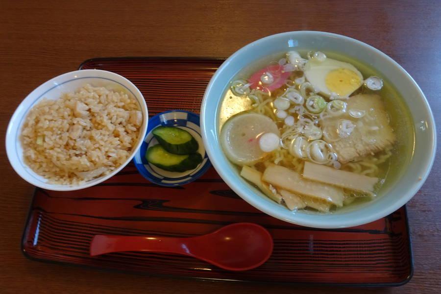 しらかば茶屋|鶏味たっぷりのとりめしとラーメン【北海道・美唄グルメ】