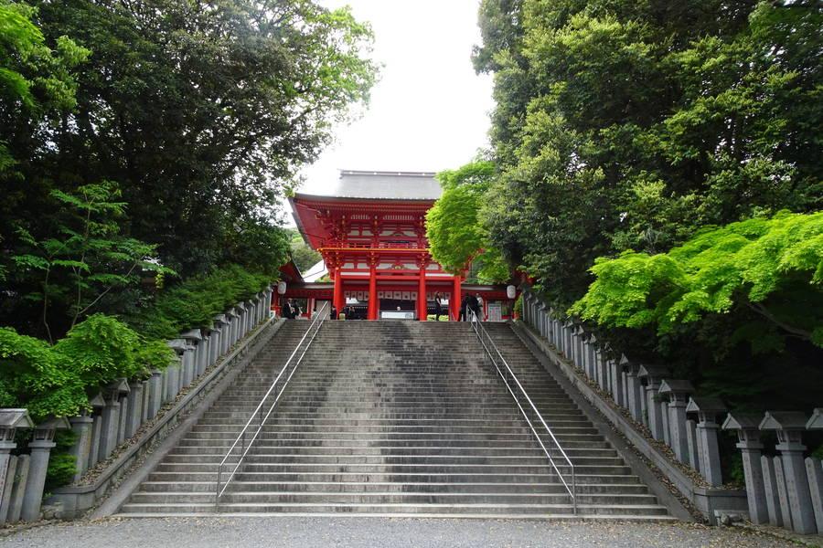 近江神宮|朱色の楼門が美しい!競技かるたと時計の聖地【滋賀観光スポット】