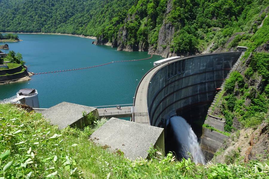 豊平峡ダム アーチ式ダムと紅葉が美しい癒やしスポット【北海道観光】