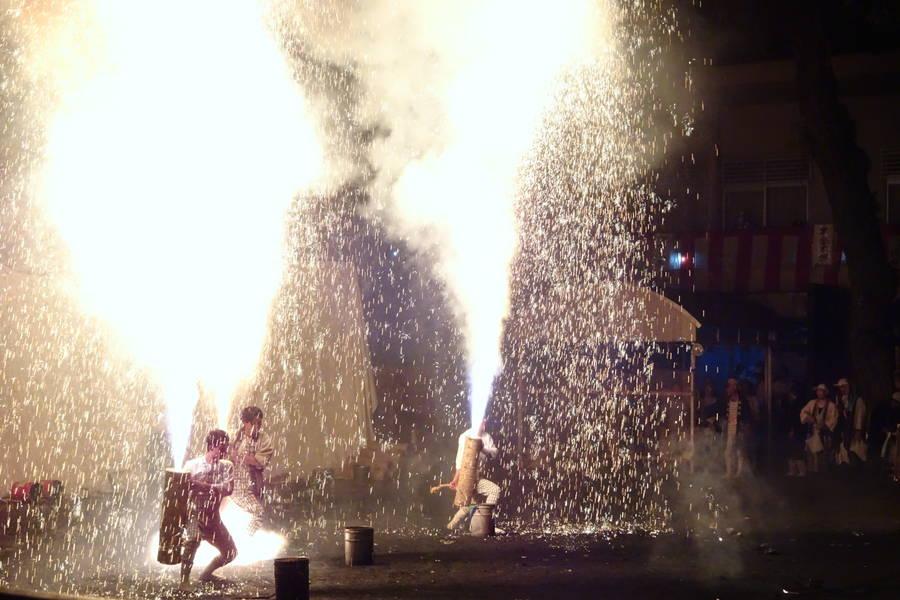 大迫力の手筒花火 in 豊橋市「羽田八幡宮例大祭」