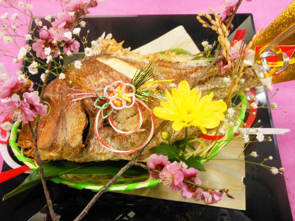 お祝いの焼鯛の例