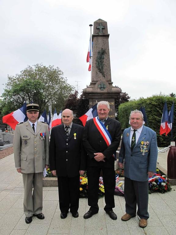 Lt Colonel DUDREUIHL - MICHELI - ARNOULD - Le parrain : Robert MULLER