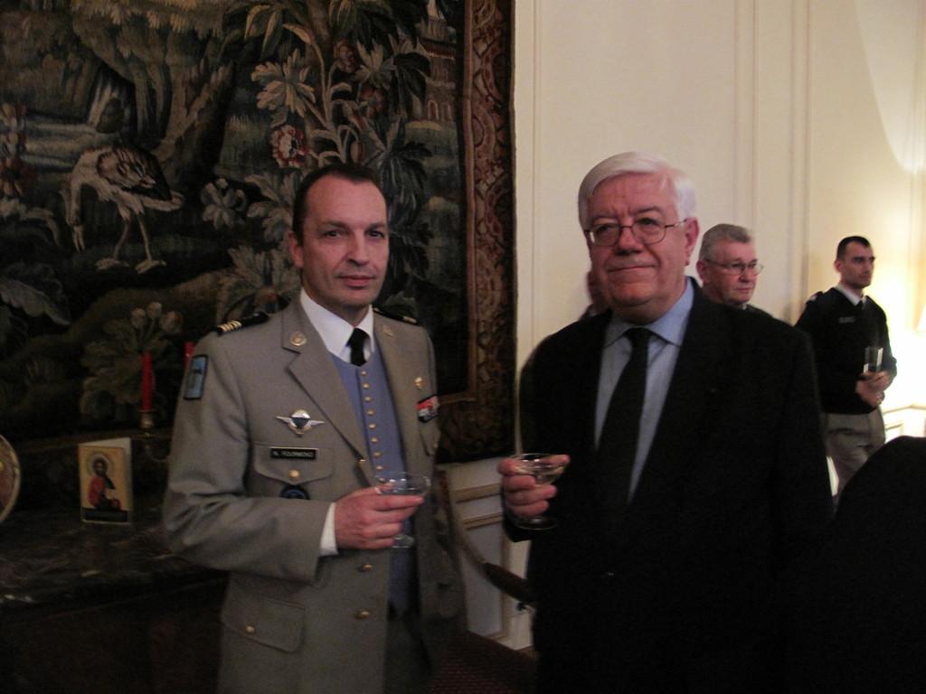 M. Charles Henri d'ARAGON, Ambassadeur de France et le Colonel FOURMOND