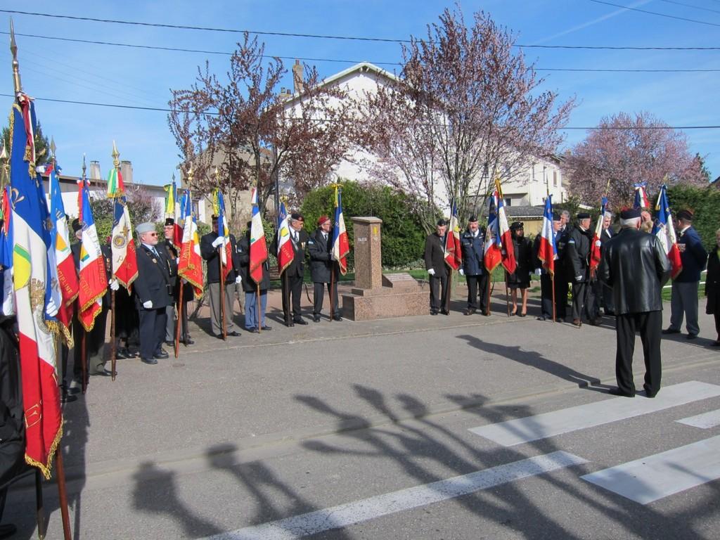 Stèle des Médaillés Militaires morts pour la France