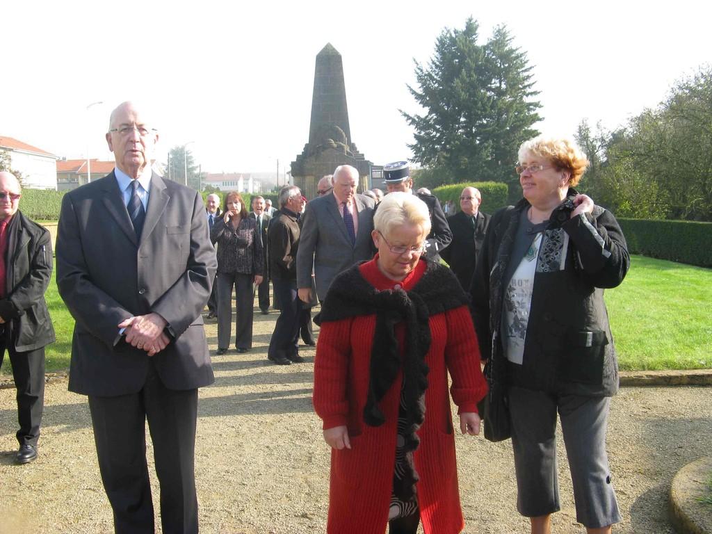 M. DURIEUX Jean-Paul Député Maire Honoraire de LONGWY -- Mme WRONA Janine Déléguée ONM Briey Longwy