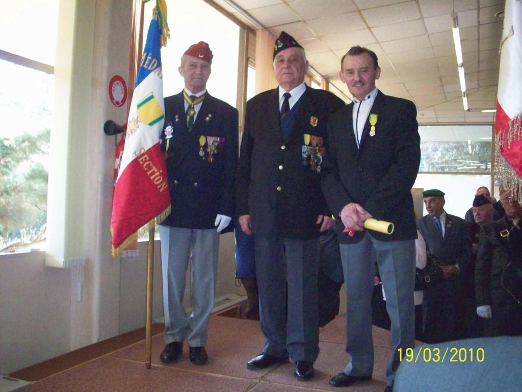 De Dr à Gche : JACQUEMIN Jean -- Georges DIDIER  le parrain -- Jacques VILLER  porte-drapeau