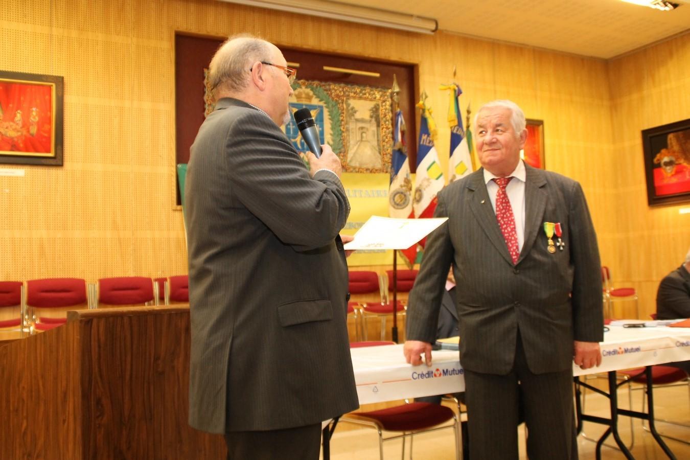 Diplome d' Honneur remis à Alain Hervigot