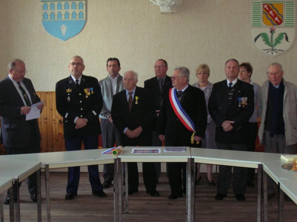 Le brevet a été remis par Jean Bellini, Pdt de la 84° Section Longwy-Luxembourg