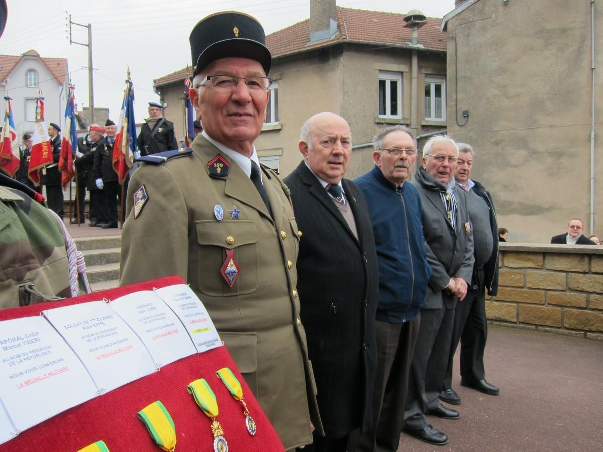 Autorisation du Colonel Délégué Militaire Départemental afin  de revêtir l'unforme ... 42 ans plus tard !