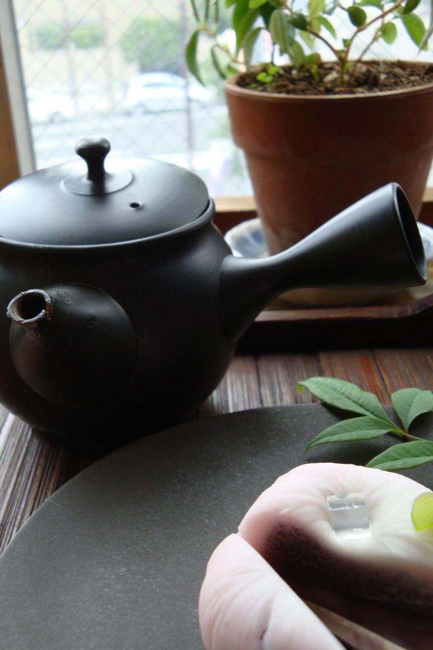 みんなお茶と甘いものが好き