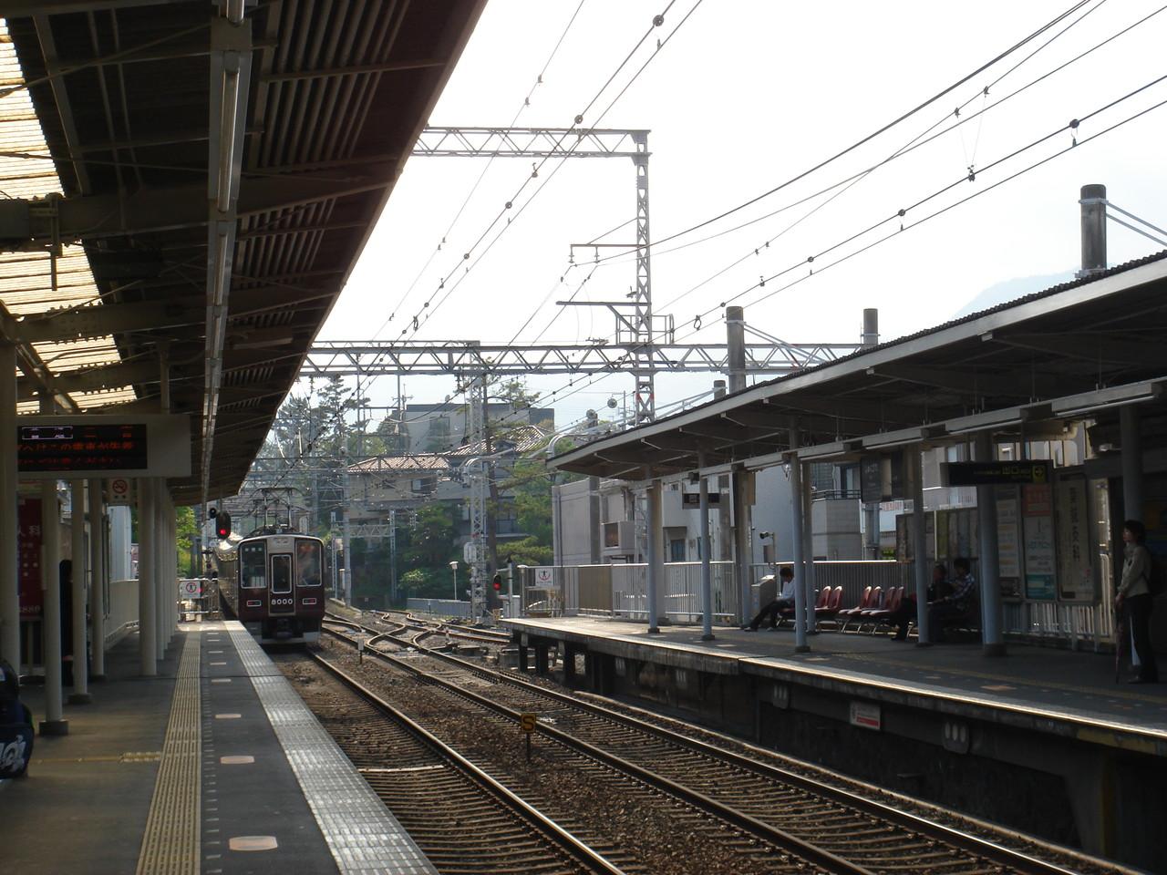 阪急電車に乗り・・