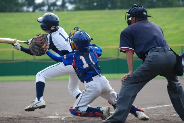 写真 「少年野球の試合風景」