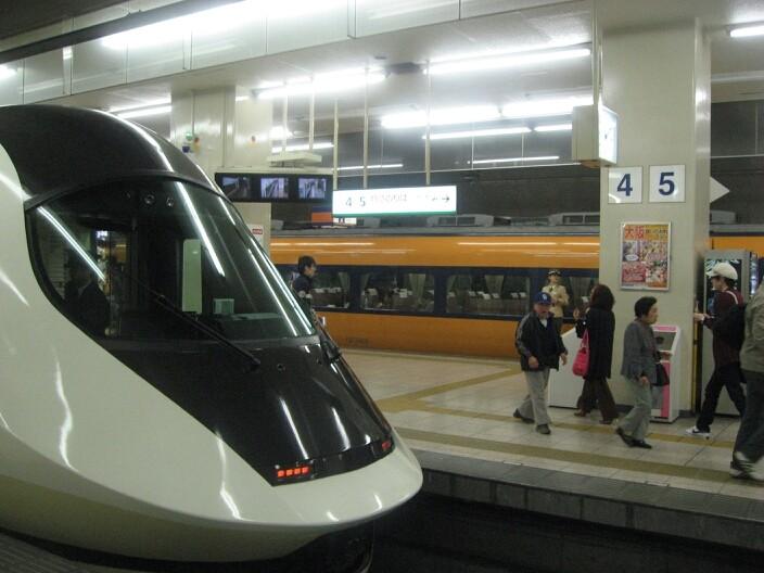 近鉄名古屋駅へも直通!(という設定)