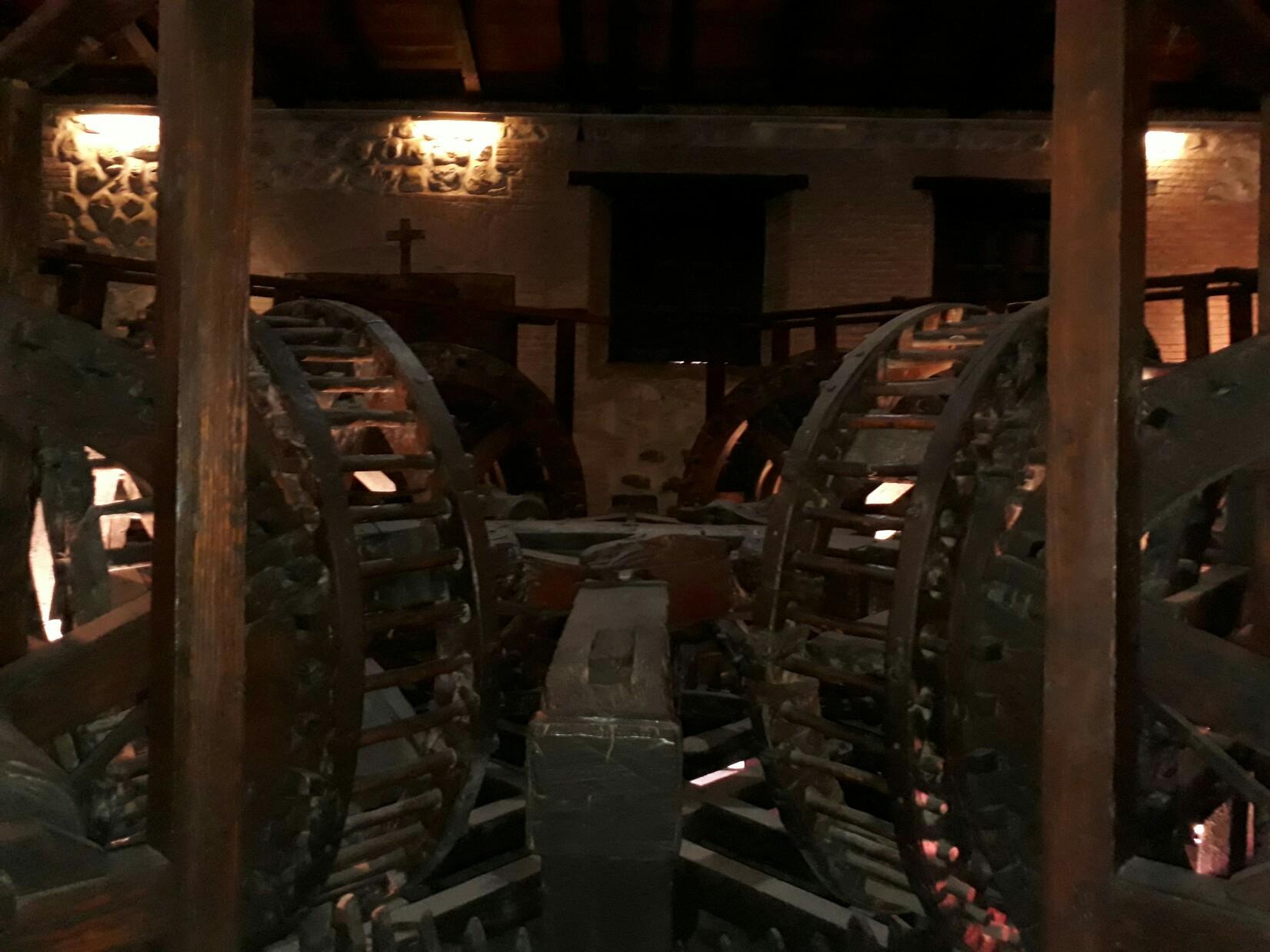 Le haut de la machine à presser les lingots