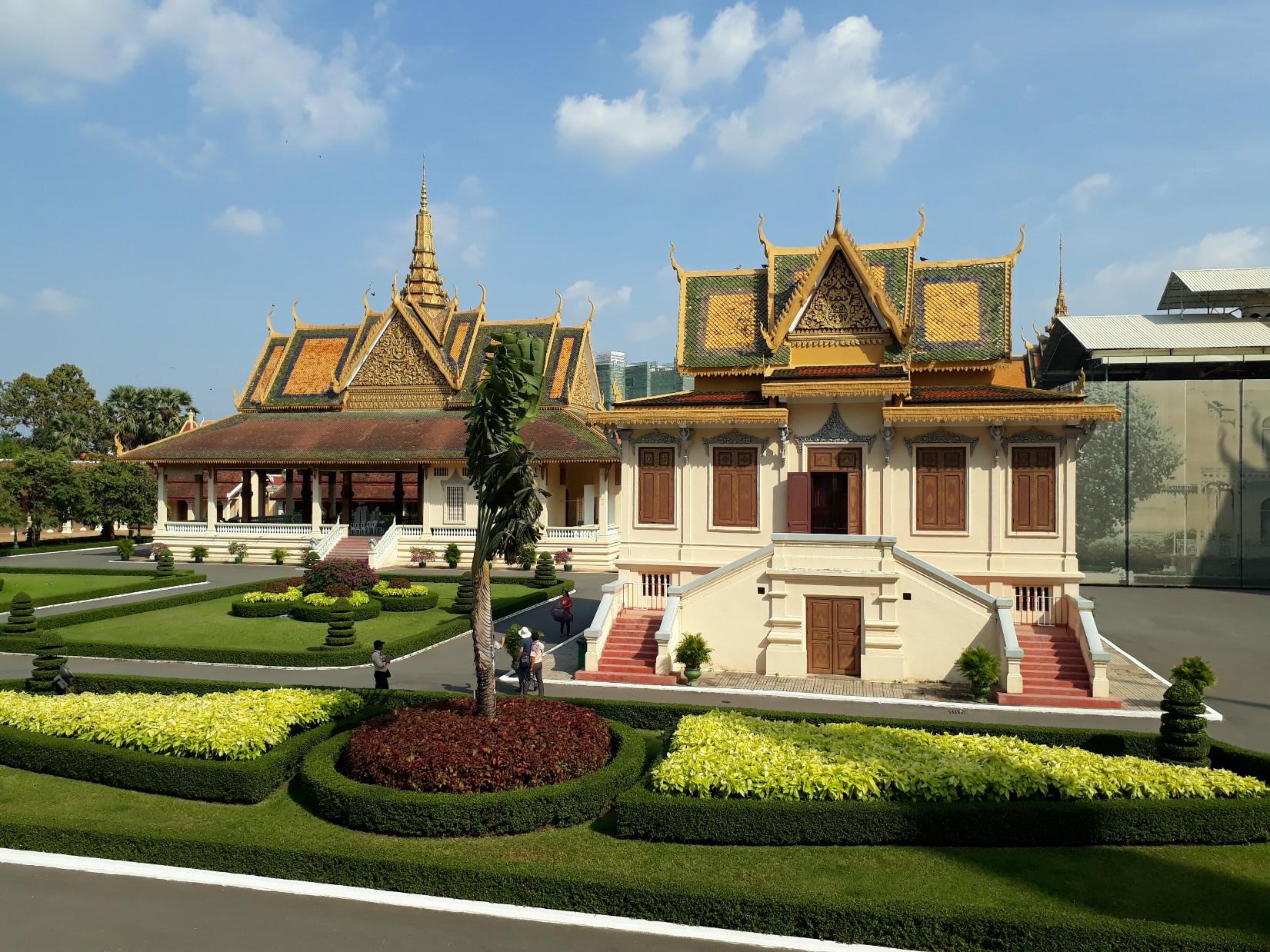 Dans l'enceinte du Palais Royal à Phnom Penh.