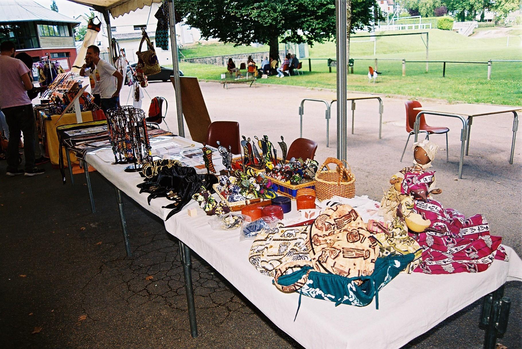 2014 - 24 Thiviers - Association Sigou - Festival à la rencontre de l'Afrique - Marché
