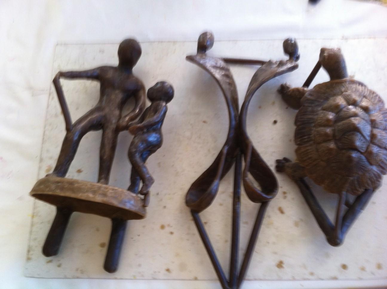 014 -2014 - 24 Lamonzie St Martin - Atelier, technique du bronze à la cire perdue - Chez Karine Dikoumé, artiste peintre