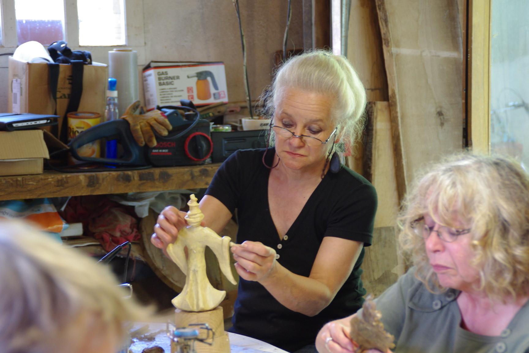 2014 - 47 St Antoine de Ficalba - Atelier, technique du bronze à la cire perdue - Chez Eve Delaneuville, sculpteur sur bois