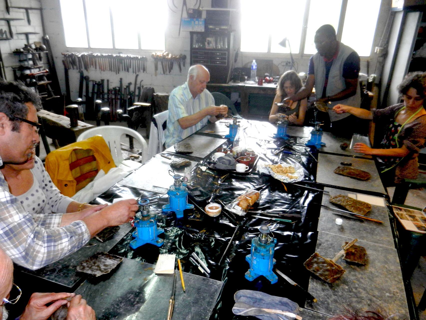 2014 - Penne d'Agenais - Association Art et Histoire - Atelier, technique du bronze à la cire perdue