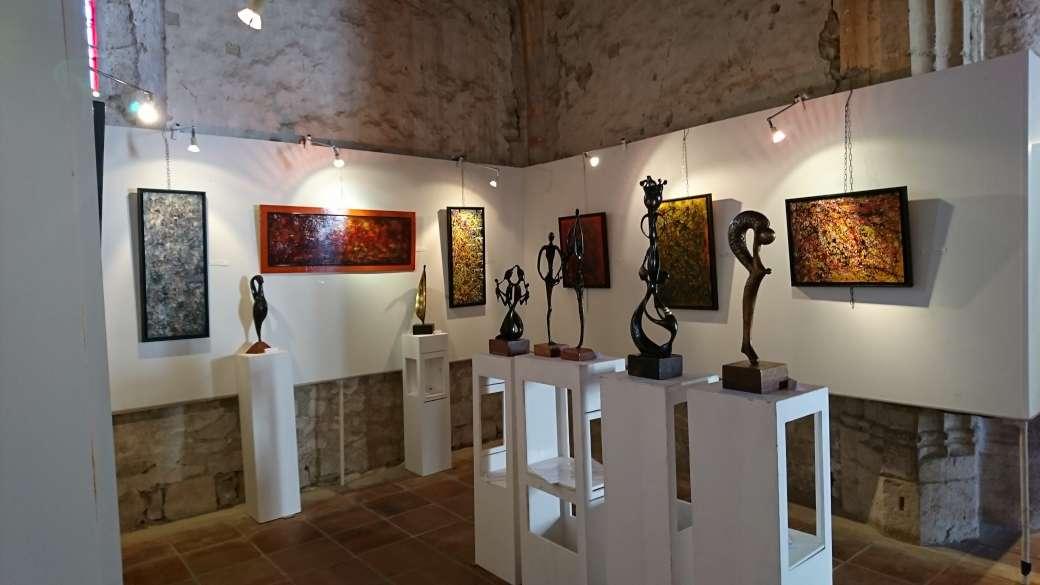 2017 - 47 Pujols - Eglise Ste Foy - avec Camille Colher, artiste peintre