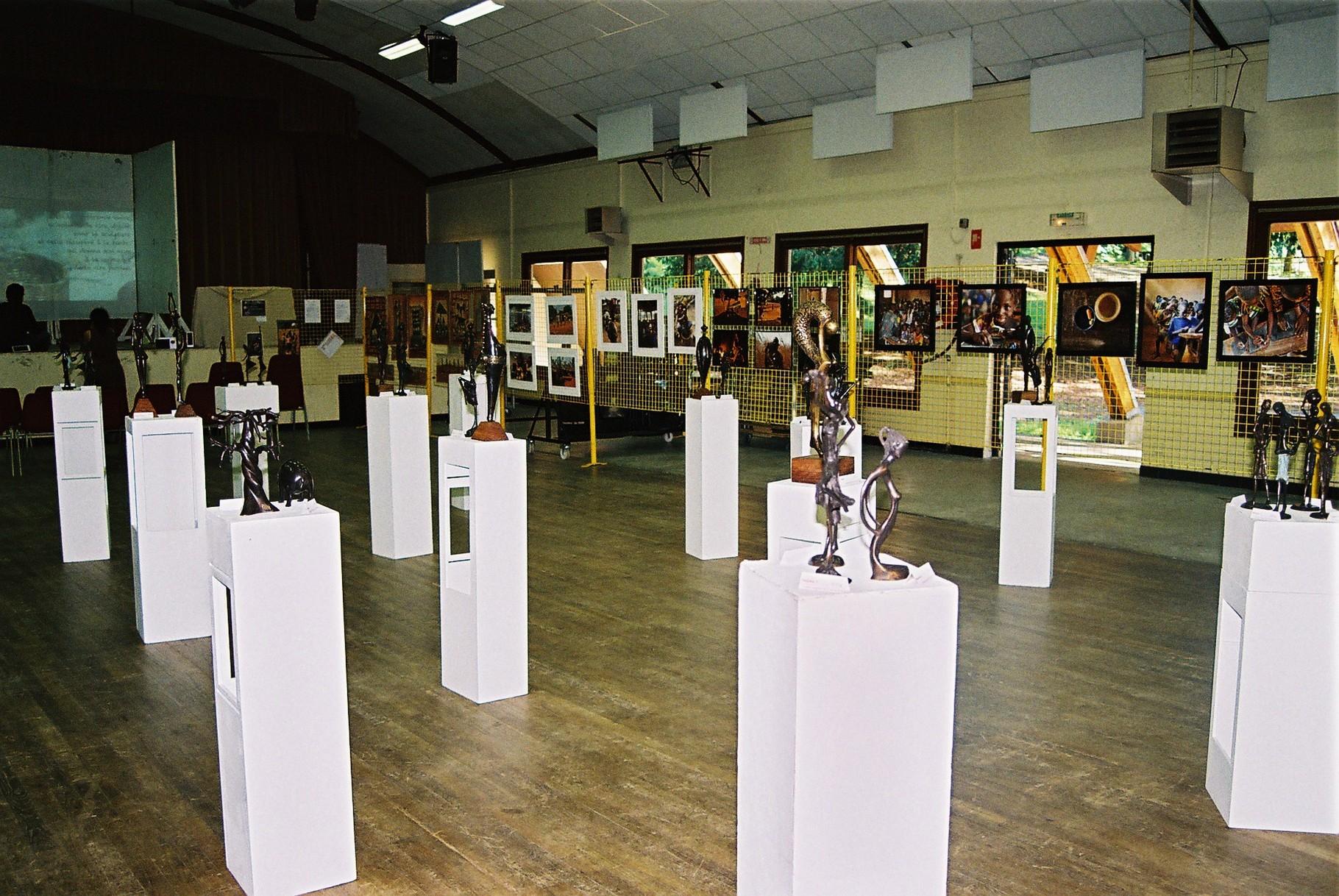 2014 - 24 Thiviers - Association Sigou - Festival à la rencontre de l'Afrique - Exposition