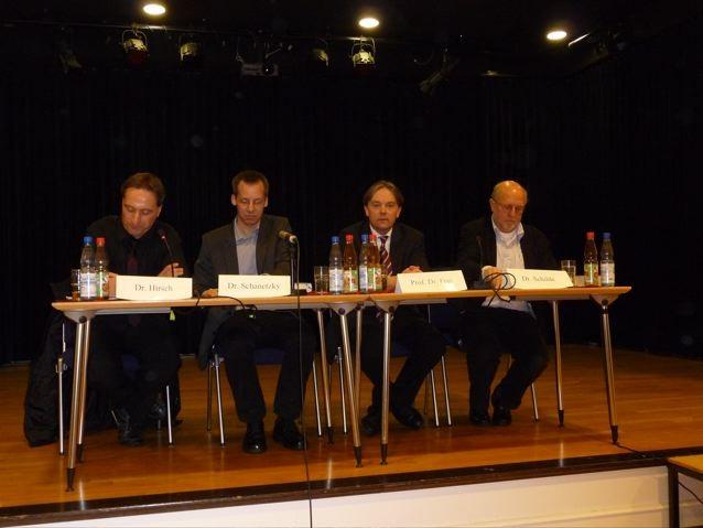 Dr. Oliver Hirch, Dr. Schanetzky, Prof. Frei und Dr. Kurt Schilde
