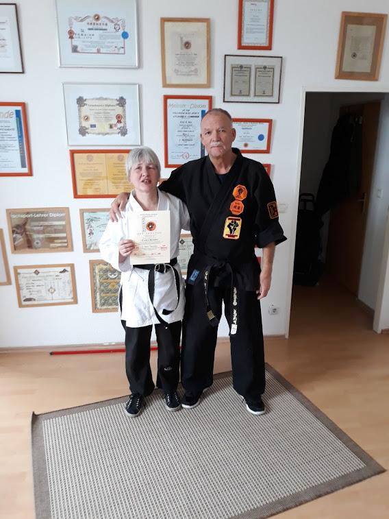 Evelyn Brendel, seit heute 3. Dan Kenko Kempo Karate und Erich B. Ries