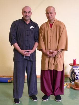 Günter Wolf aus Österreich (links im Bild) verbindet Qigong mit Selbstverteidigung...