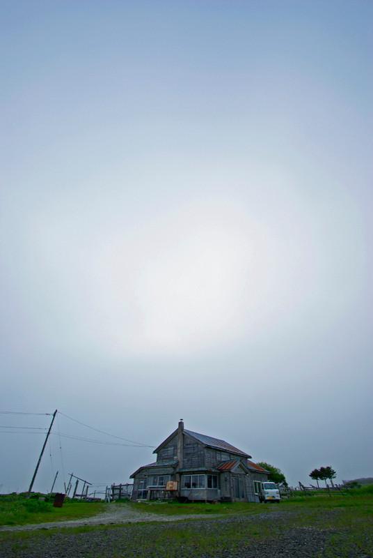 """6/17 根室市落石西 『北の国から』ロケ地 """"落石診療所""""跡"""
