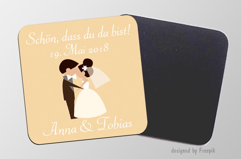 Schön dass du da bist - personaliserbare Magnetbilder- quadratisch - Motiv: küssendes Hochzeitspaar, für Hochzeiten, Einladungen, Gastgeschenke