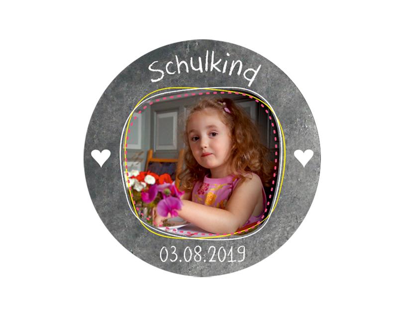 Aufkleber für die Einschulung in Tafeloptik Chalkboard mit Herzchen - personalisierbar mit Foto und Wunschtext - als Gastgeschenk, für Einladungen, Schulanfang, Einschulung,