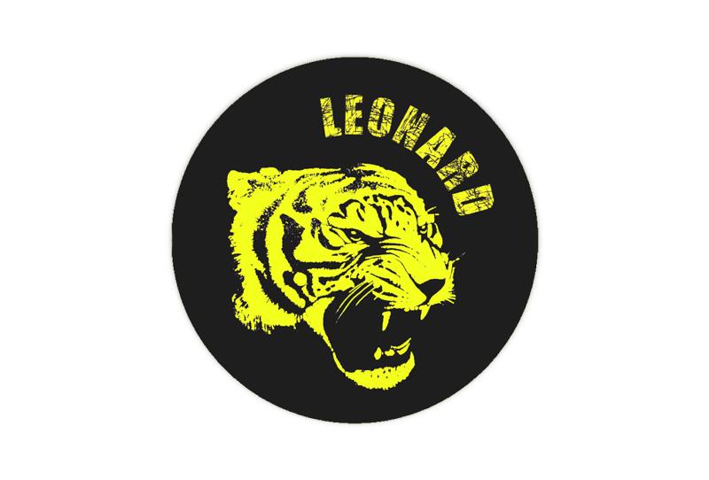 runde Neon Namensaufkleber: Tiger - auffällig durch intensive Leuchtwirkung