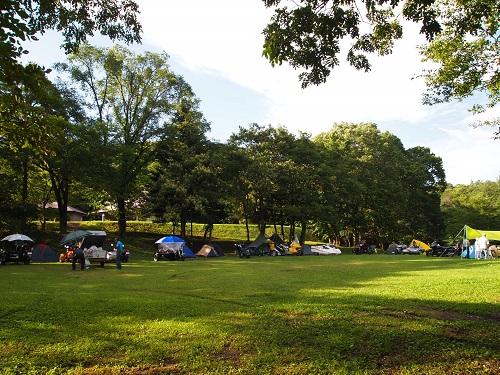 羽鳥湖畔オートキャンプ場フリーサイト