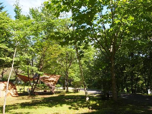 羽鳥湖畔オートキャンプ場区画サイト