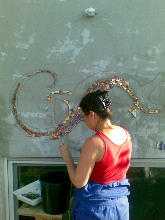 Dann die Skizze an der Wand und der Beginn der Ausfüllarbeiten