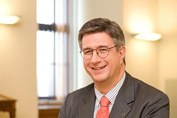 Business-Portrait: mag. gerhard starsich / gen. dir. muenze oesterreich
