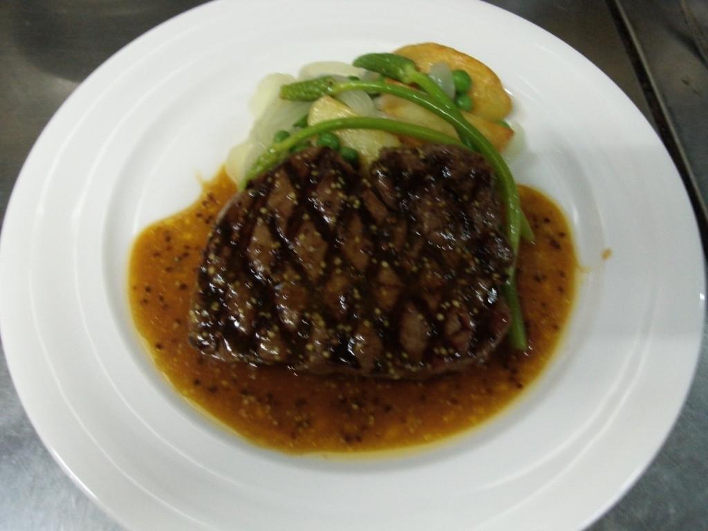 牛ヒレ肉のグリエ